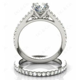 Brilliant cut diamond wedding set rings with four claws setting.