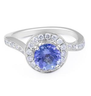 Vintage Style Round Tanzanite Diamond Ring in 18 Karat White Gold wedding rings