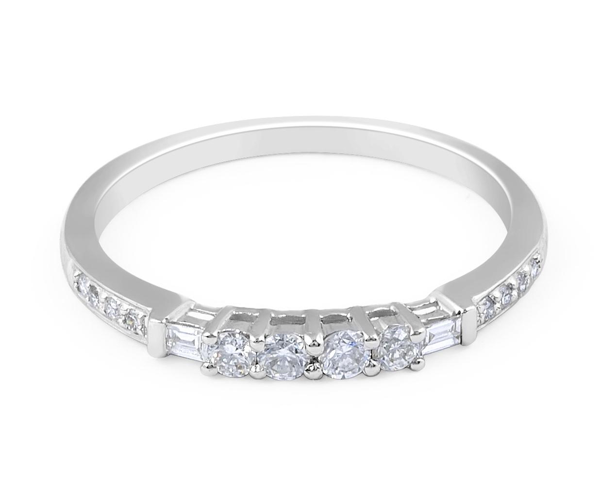 18 Karat White Gold Modern Classic Design Diamond Wedding Band