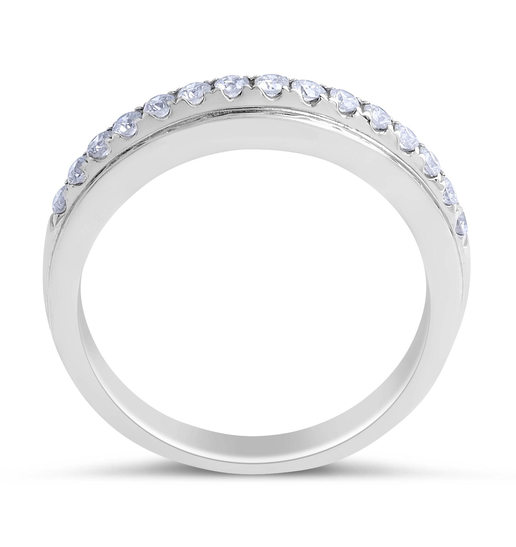 18 Karat White gold Diamond Wedding Band in Pave Setting