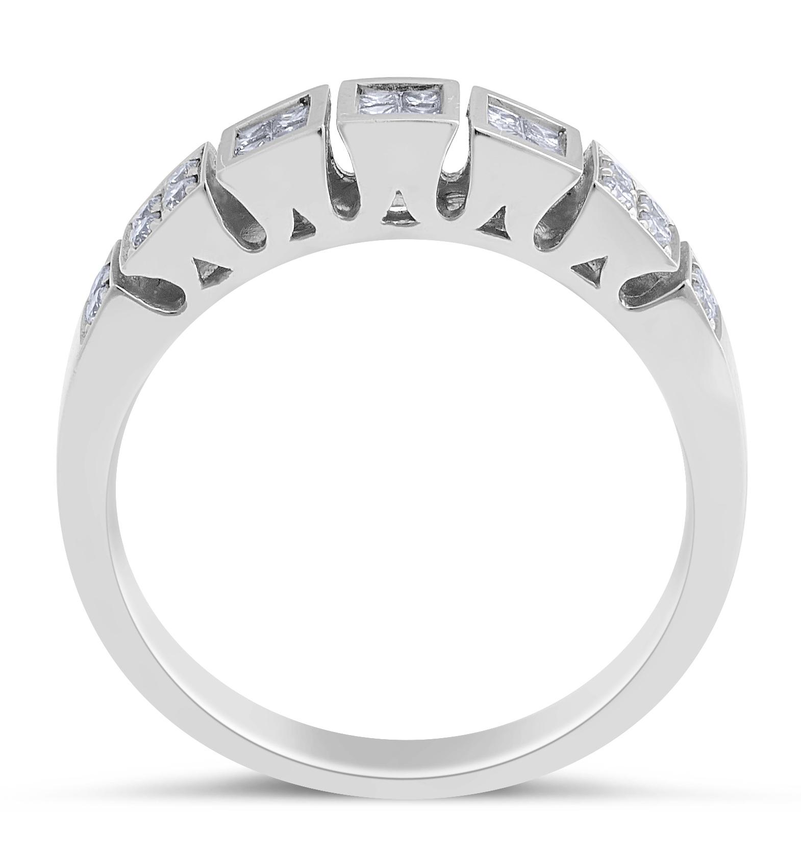 18 Karat White Gold Diamond Wedding Band Modern Style