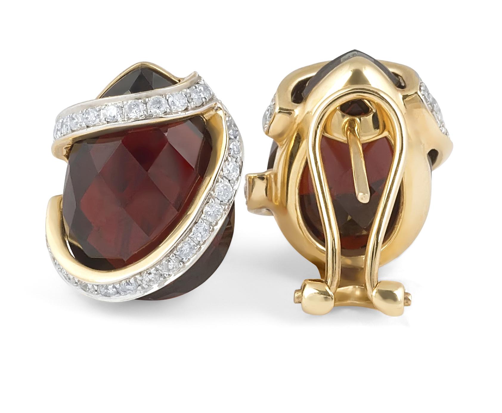 Garnet Diamond Stud Earring in 14 Karat Yellow Gold